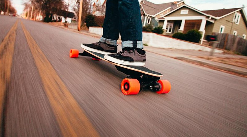 Boosted 1000W Electric Skateboard