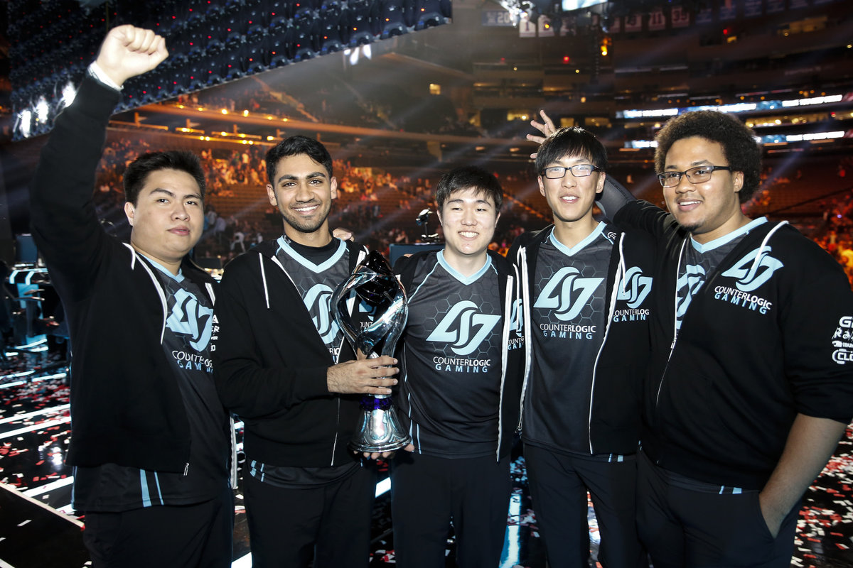 clg-holds-the-na-lcs-trophy