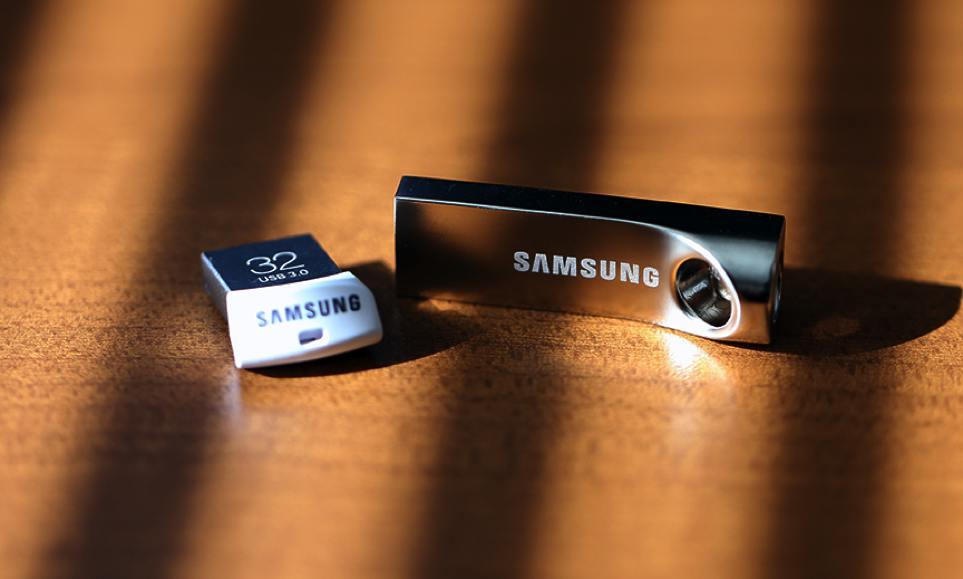 Samsung Flash Drives