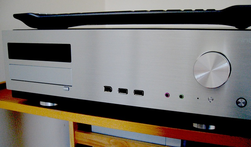 Home_theater_PC_front_with_keyboard