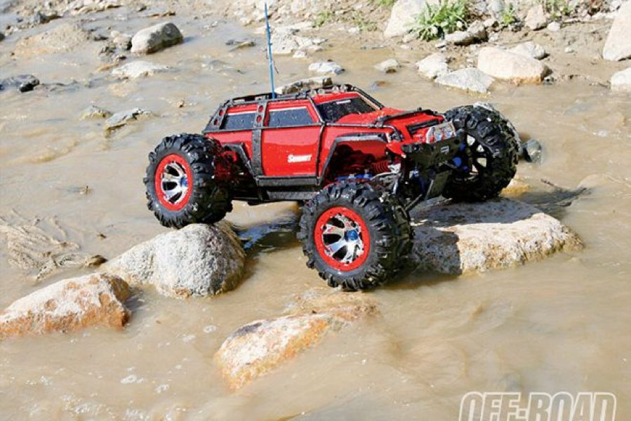 traxxas summit monster truck