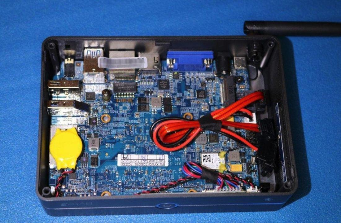 byte 3 azulle inside