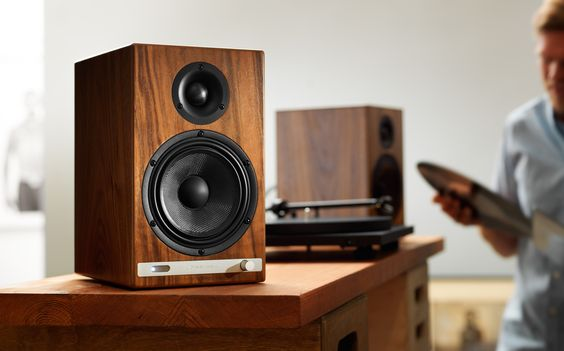 test bookshelf speakers