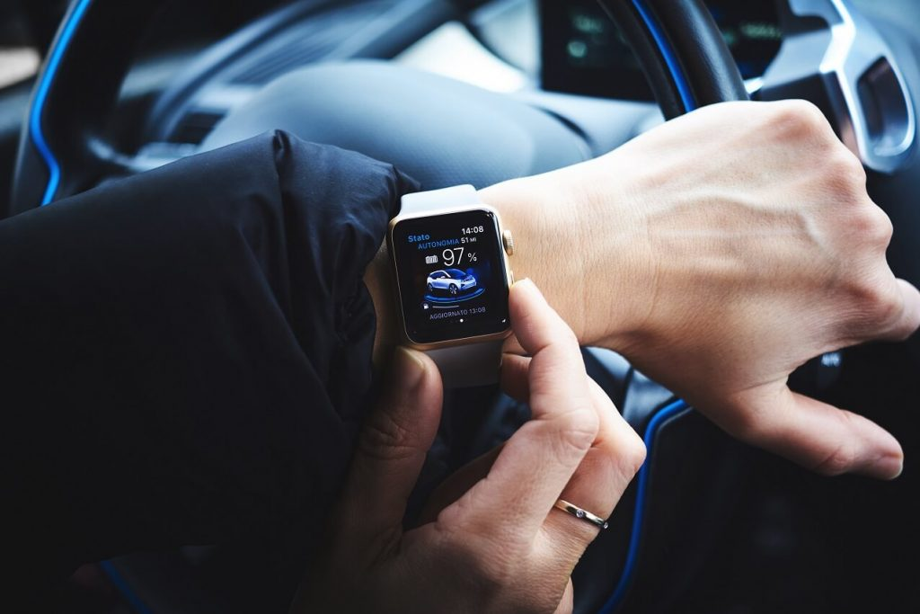 smart tech overtaking smartphone with smart watch
