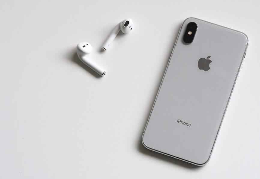 iphone x with airpods headphones