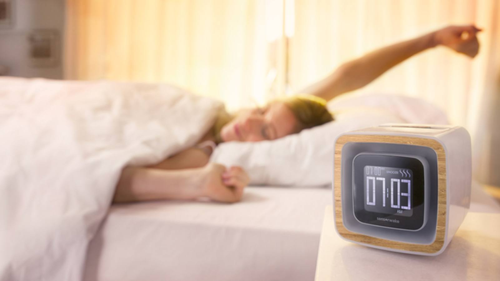 This alarm clock wakes you up using smells, lights, and sounds