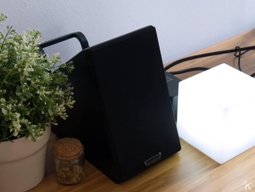 vanatoo transparent zero speaker on desk