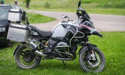 bmw self driving motorcycle