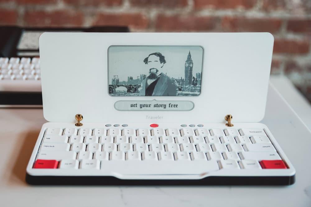 astrohaus traveler distraction free portable typewriter