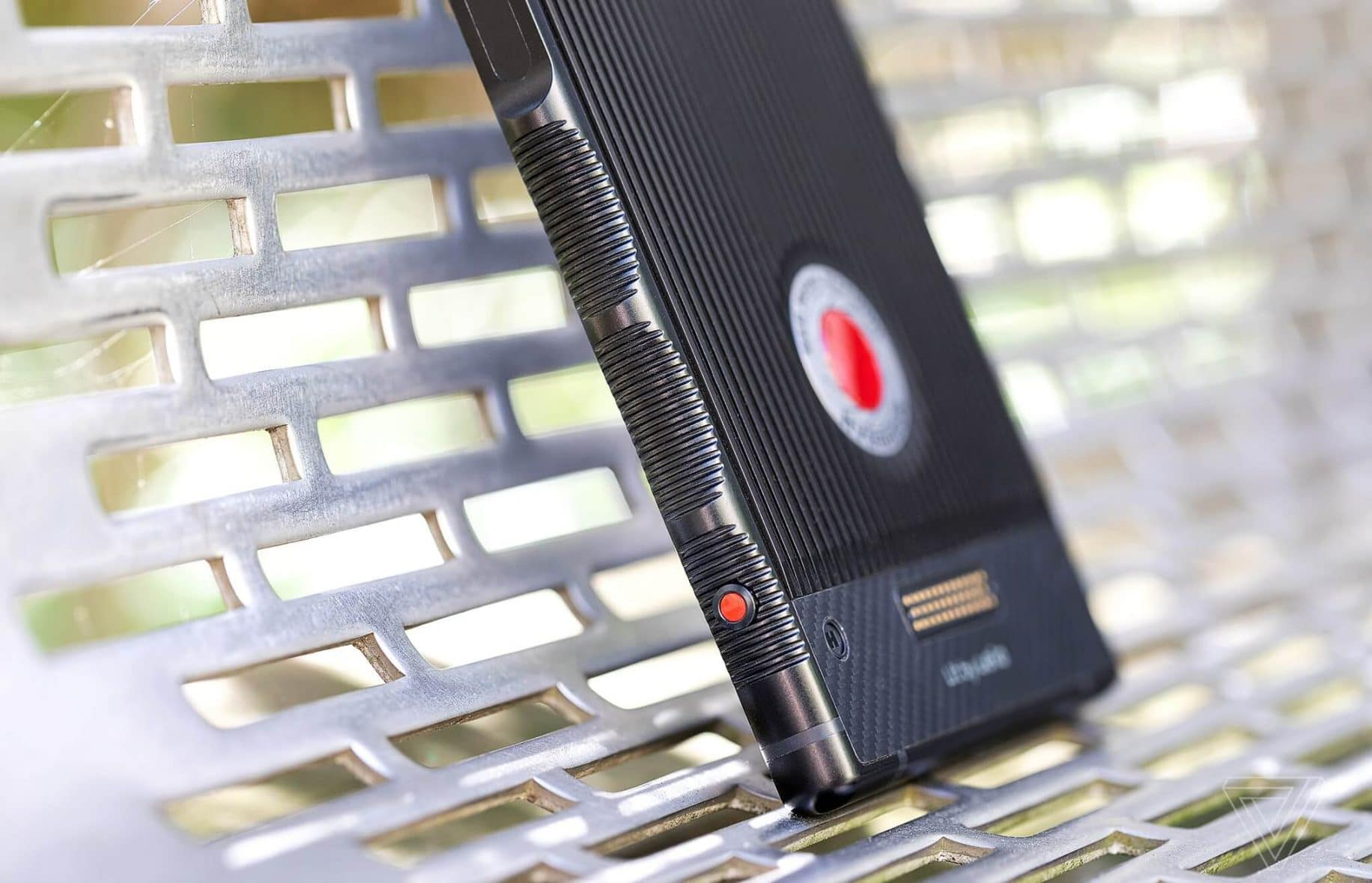 red hydrogen one review roundup