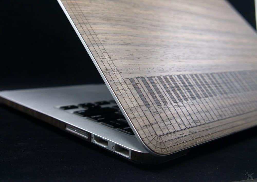 toast macbook pro skin