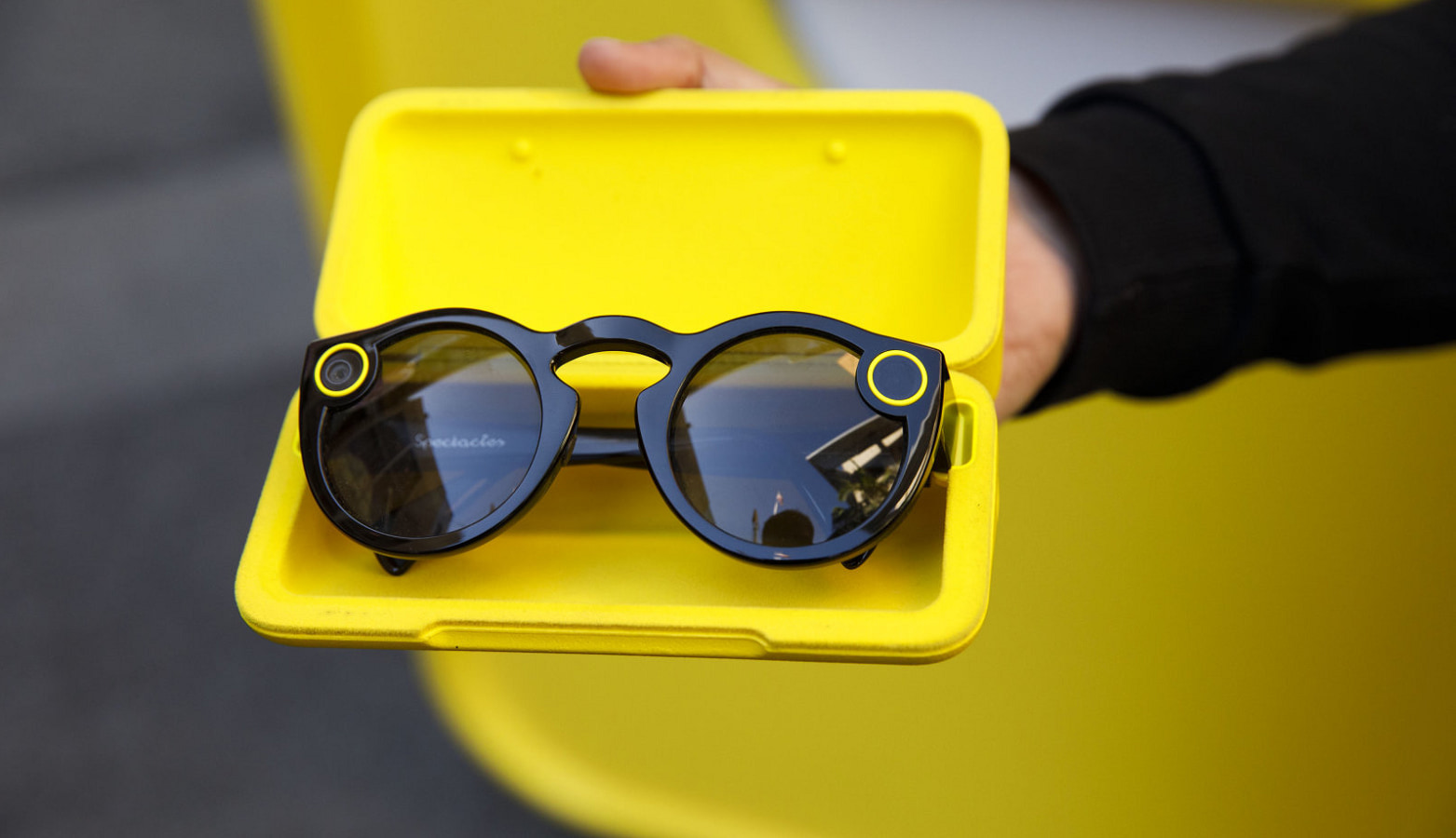 snap spectacles dual cameras