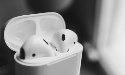 apple airpods wireless charging audio sharing