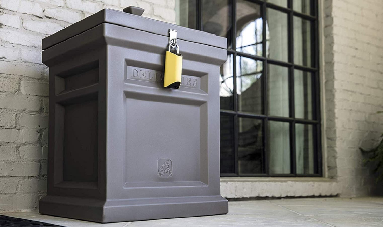 boxlock security pad on box on porch