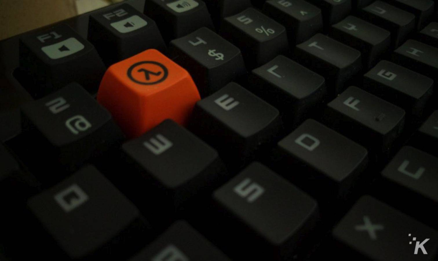 half life 3 keyboard cap on black keyboard
