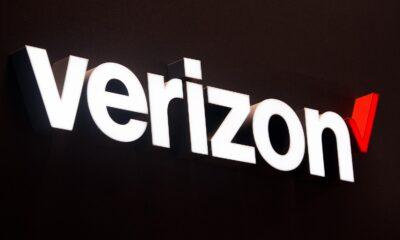 verizon logo in white
