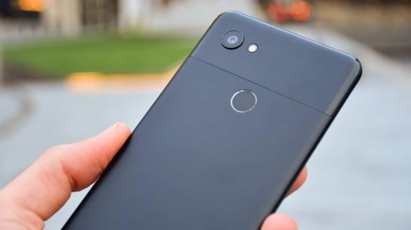 Google's Pixel 3 gets a kiss cam mode for its camera app