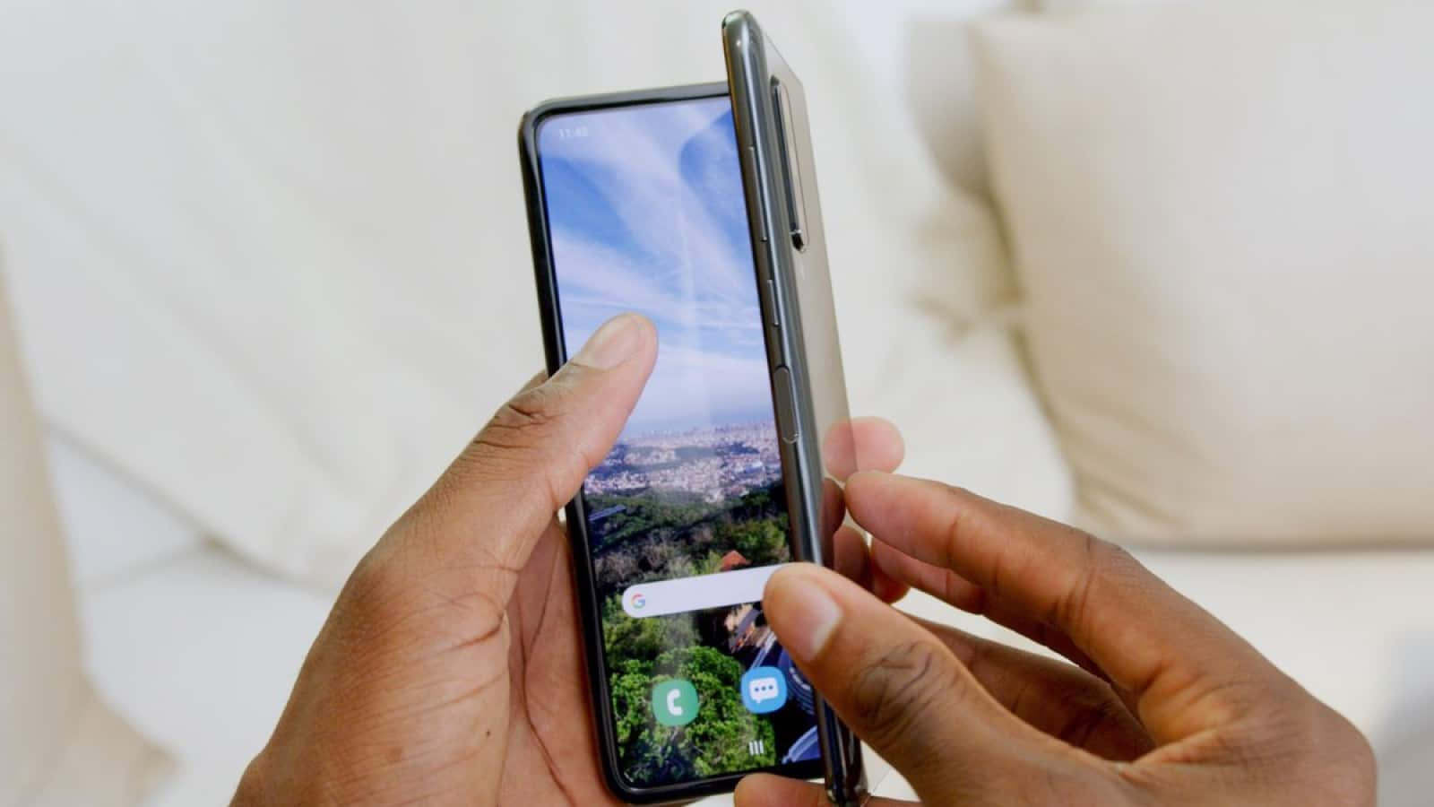 samsung fold being closed
