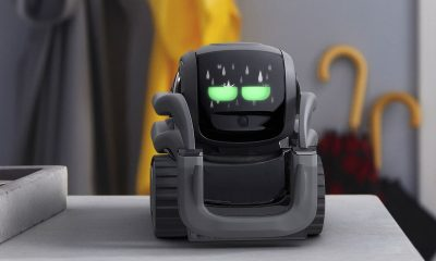 anki vector ai robot on table