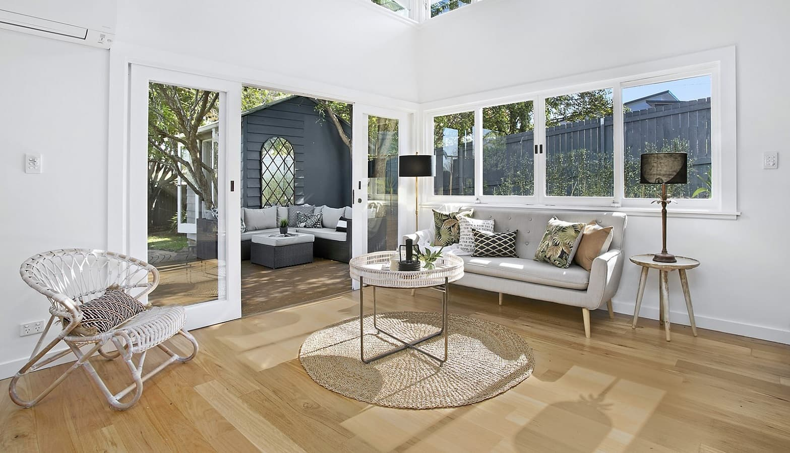houseace showing a furnished living room