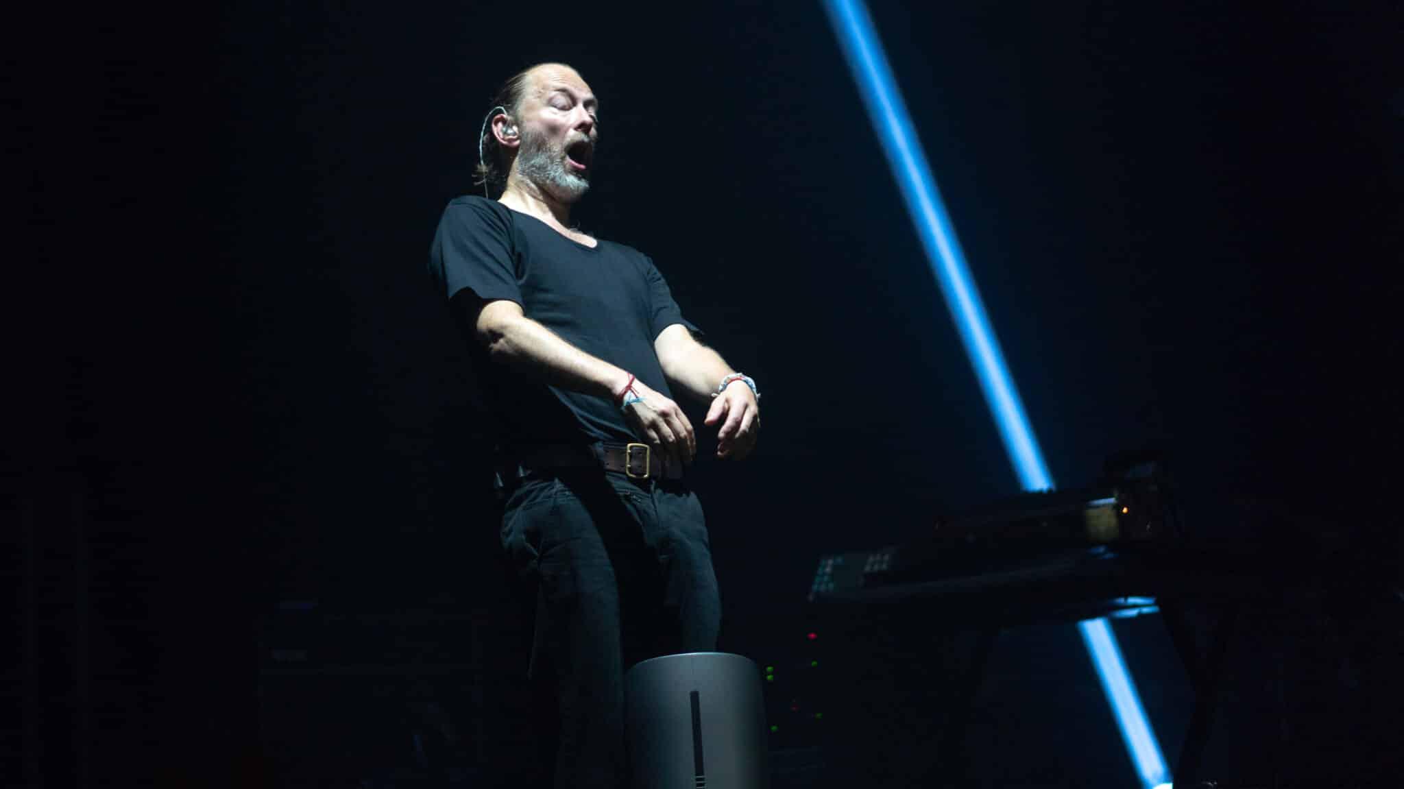 radiohead on stage