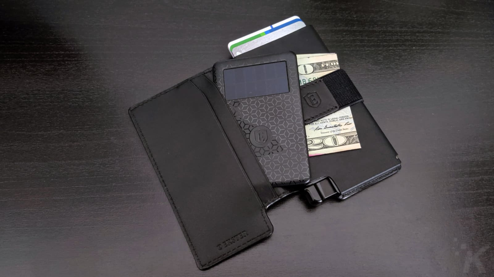 ekster smart wallet opened