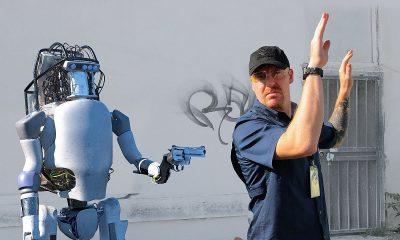 robots fighting humans