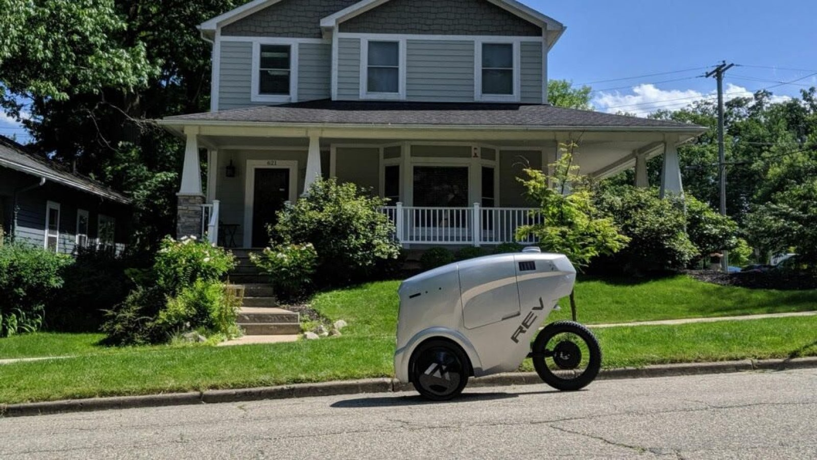refraction delivery robot