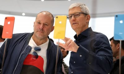 jony ive standing beside tim cook