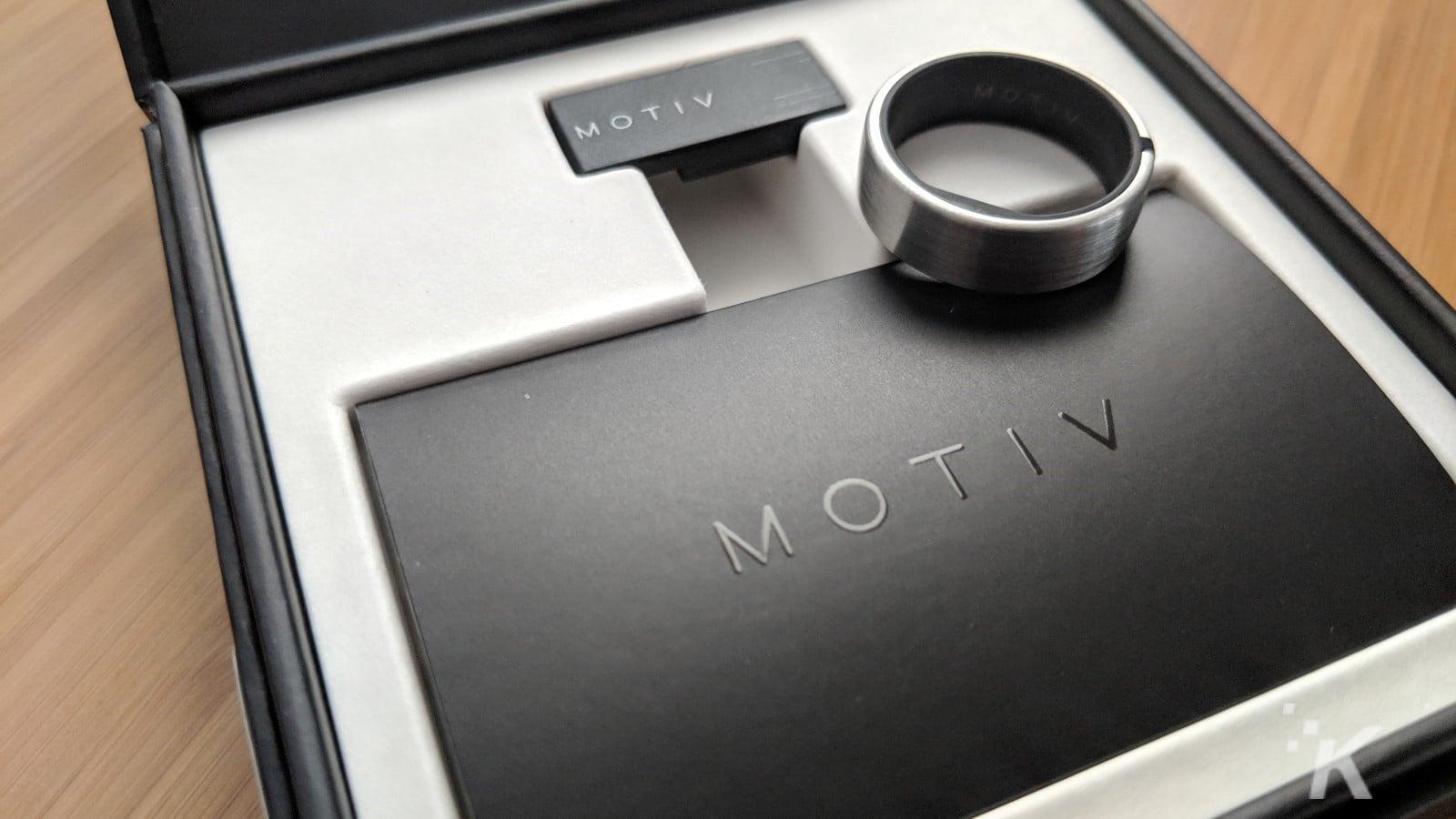 motiv fitness tracking ring on box