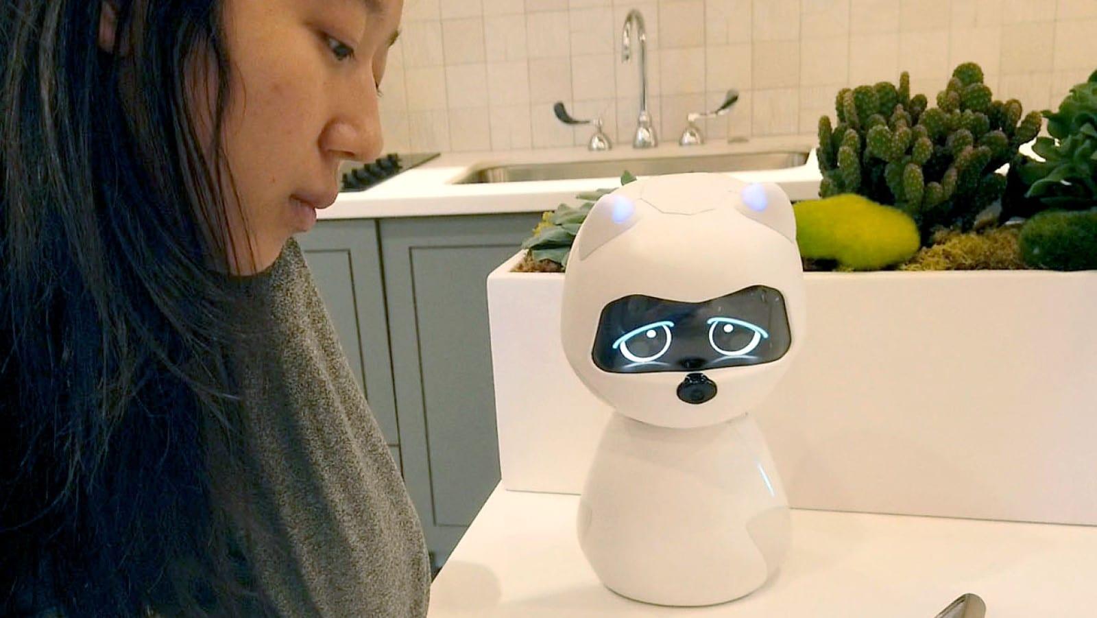 kiki the robot on table