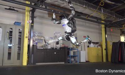 boston dynamics robot jumping