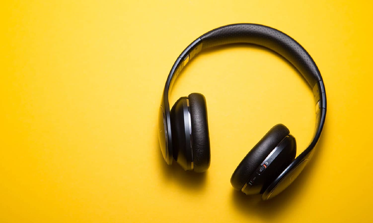 streaming music lossless files with headphones