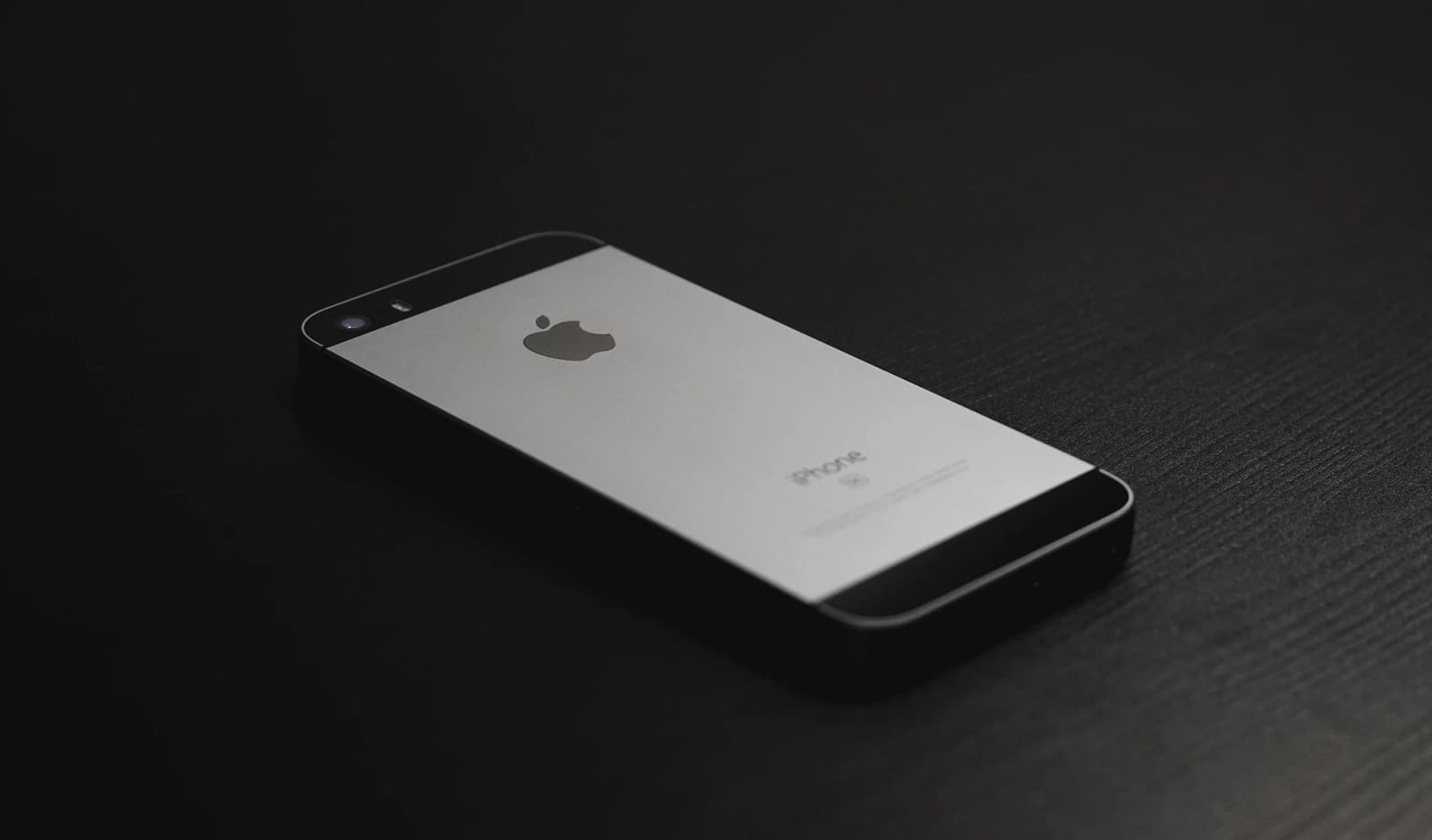 iphone 5 on table