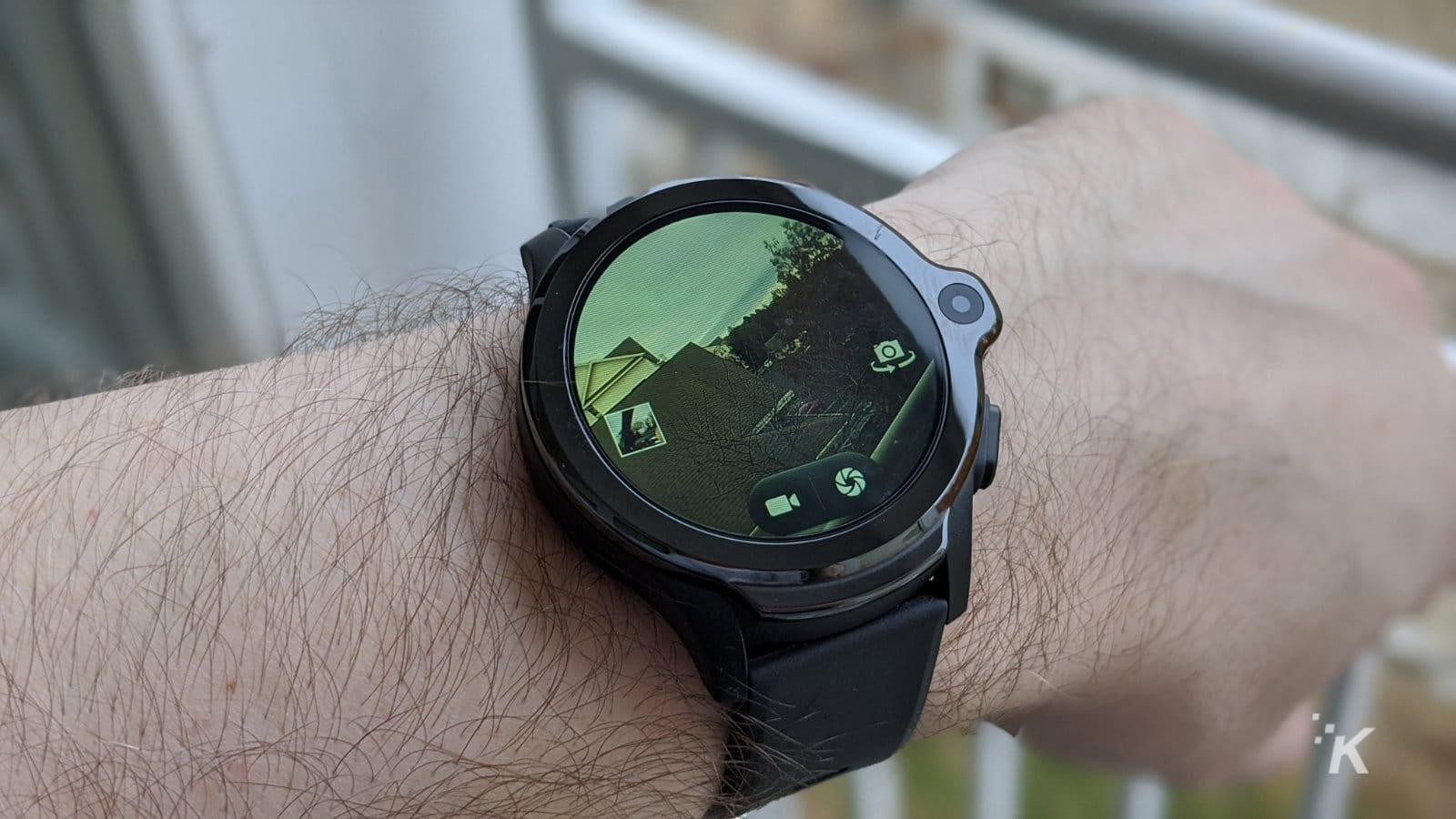 kospet smartwatch taking a photo