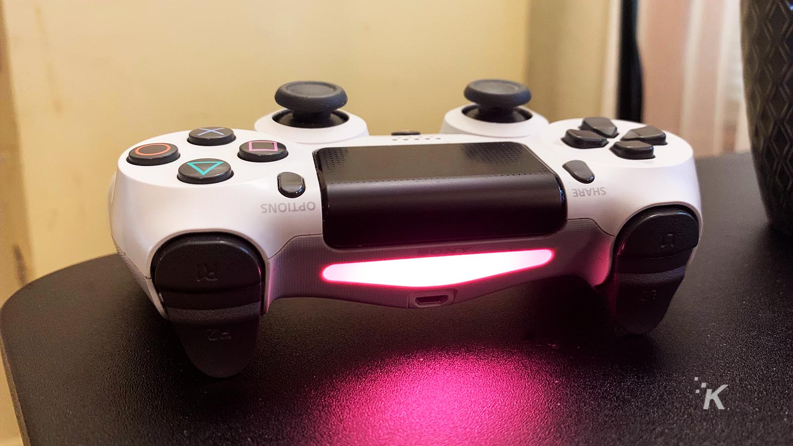 playstation 4 controller paired with iphone