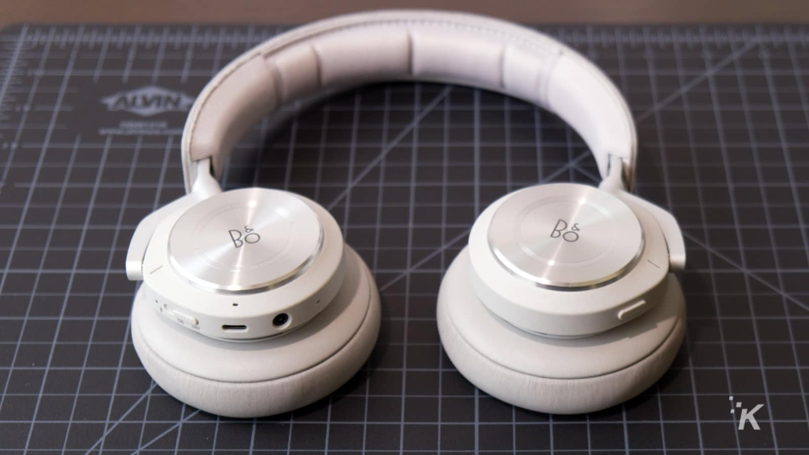 bang and olufsen beosound h9 headphones
