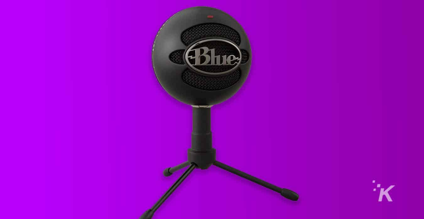 blue snowball ice mic for streaming