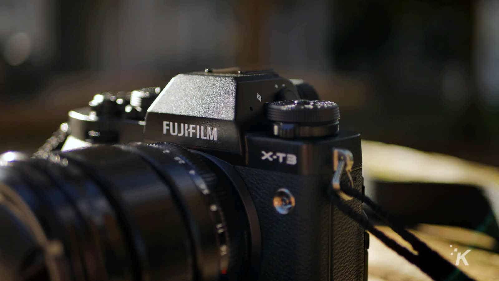 fujifilm xt3 camera on table