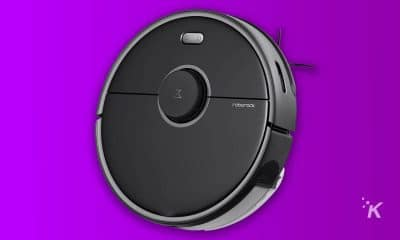 roborock s5 max on purple background