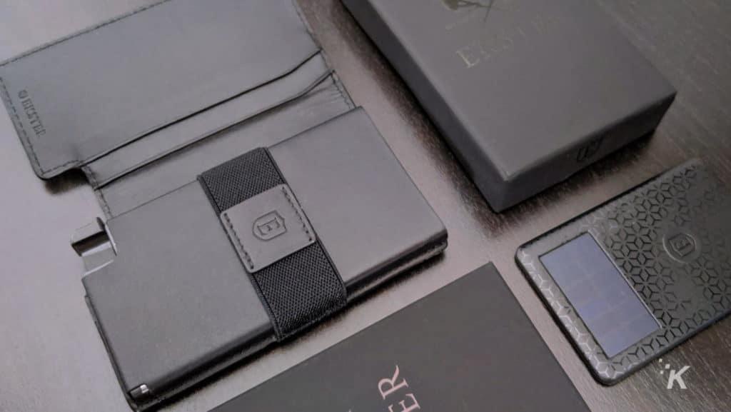 ekster smart wallet and tracker