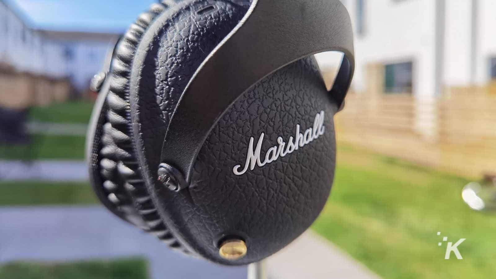 marshall headphones control knob