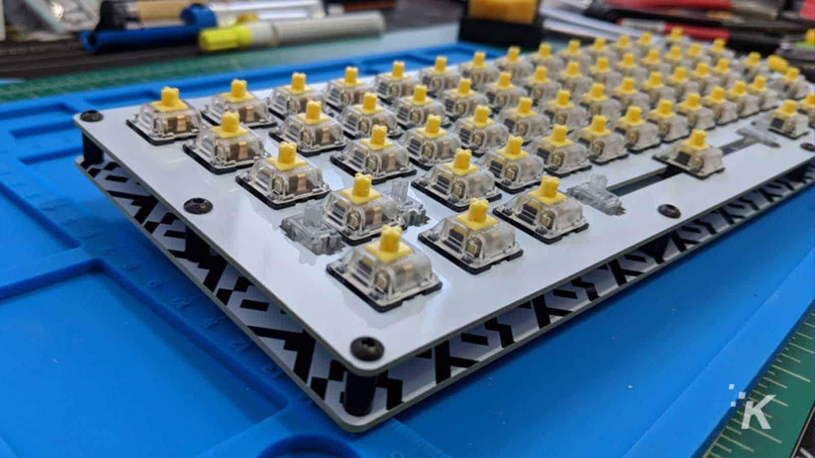 mechanical keyboard guts