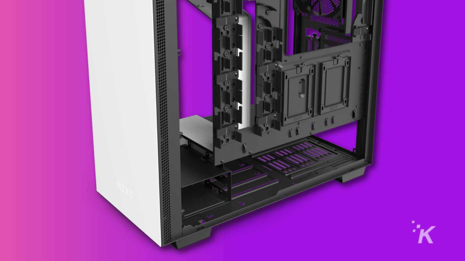 back of nzxt 710i