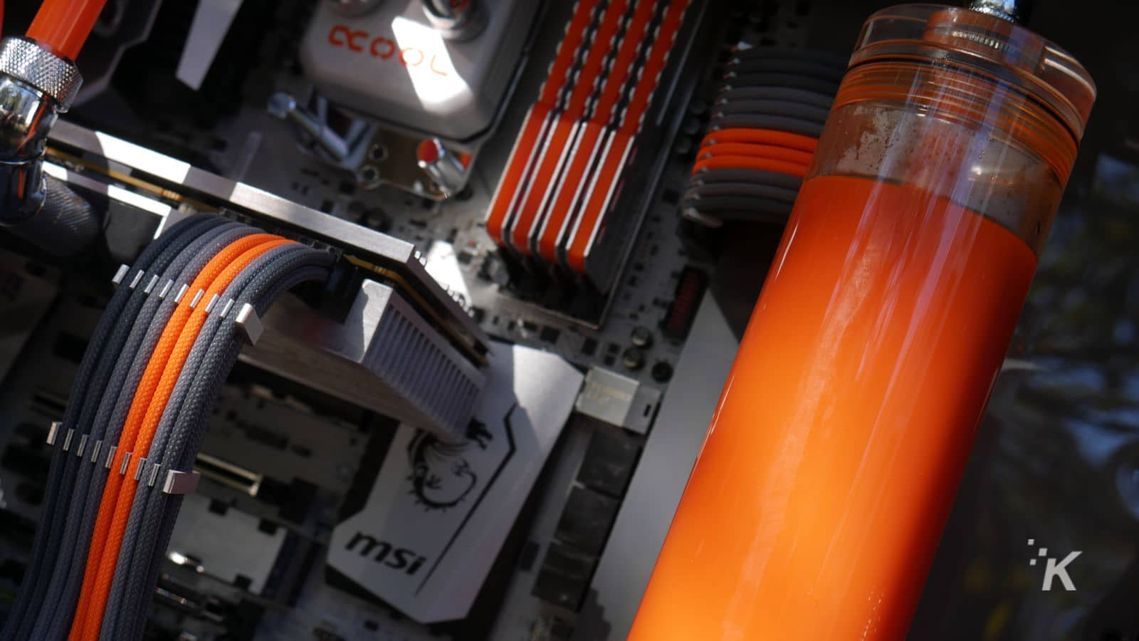 custom fully sleeved psu cables in water cooled pc