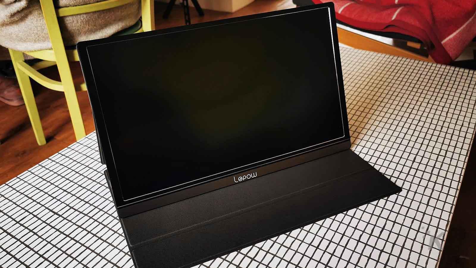 lepow portable screen on table