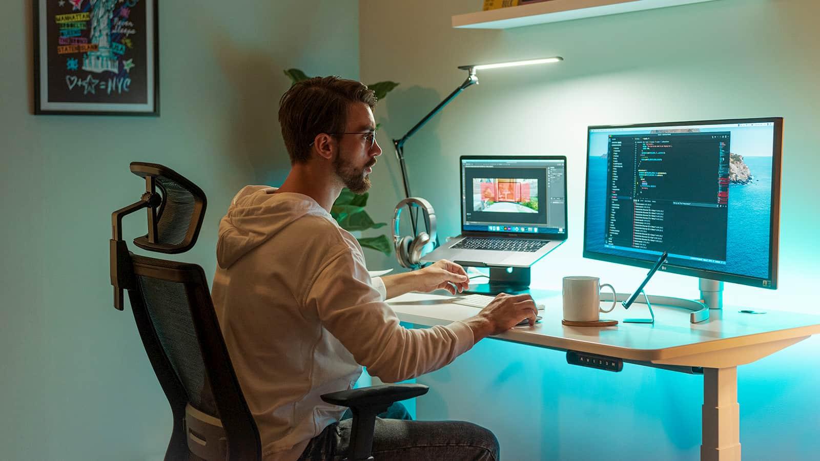 Autonomous smart desk 4