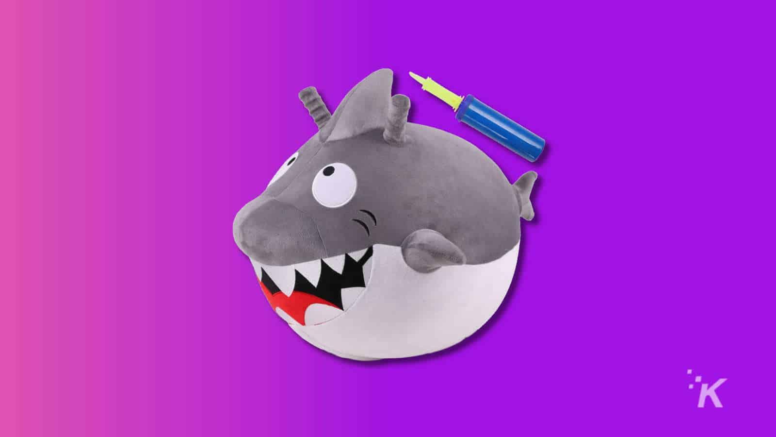 iplay hopping shark