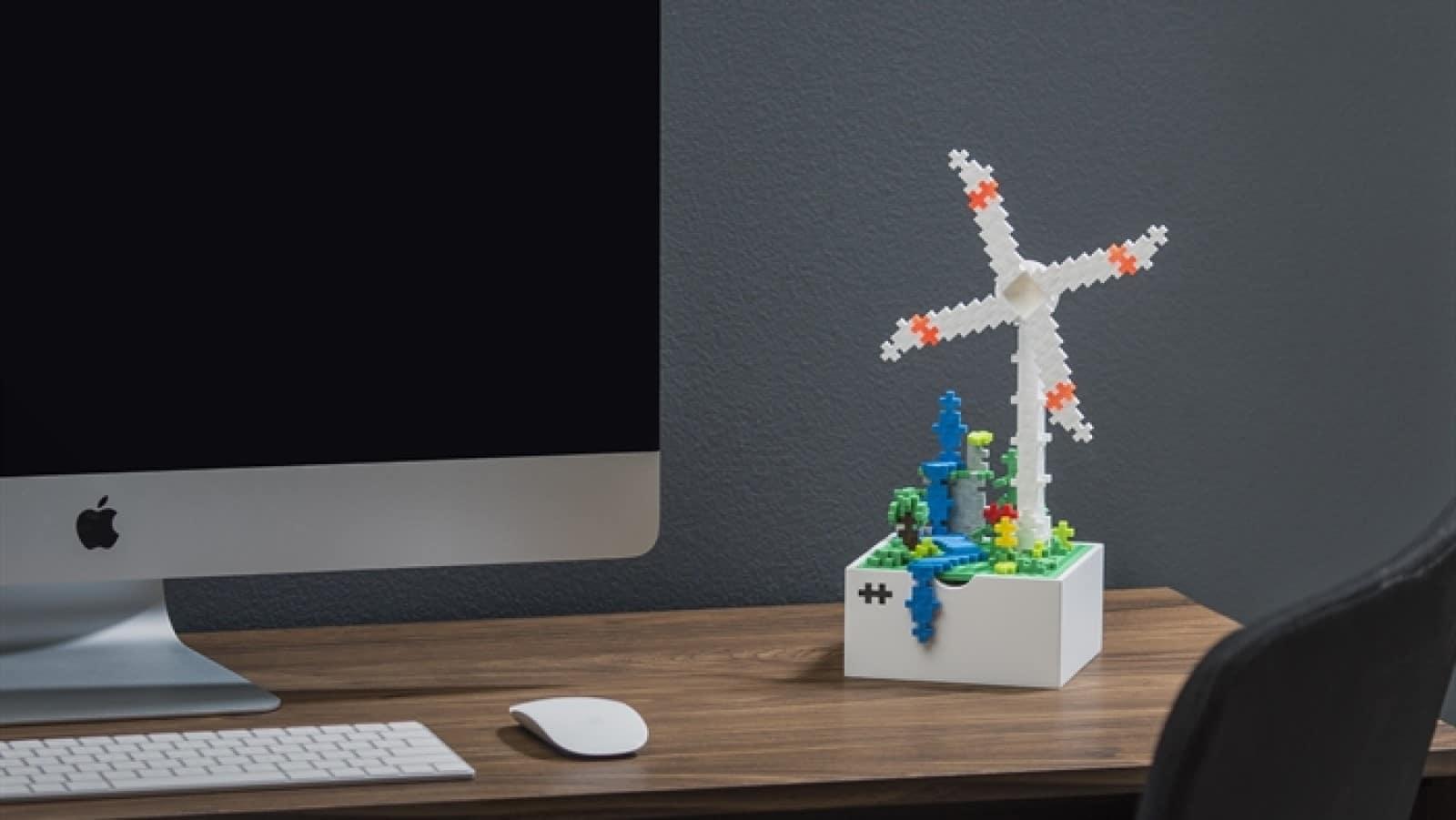 plus-plus boks windmill building kit on office desk