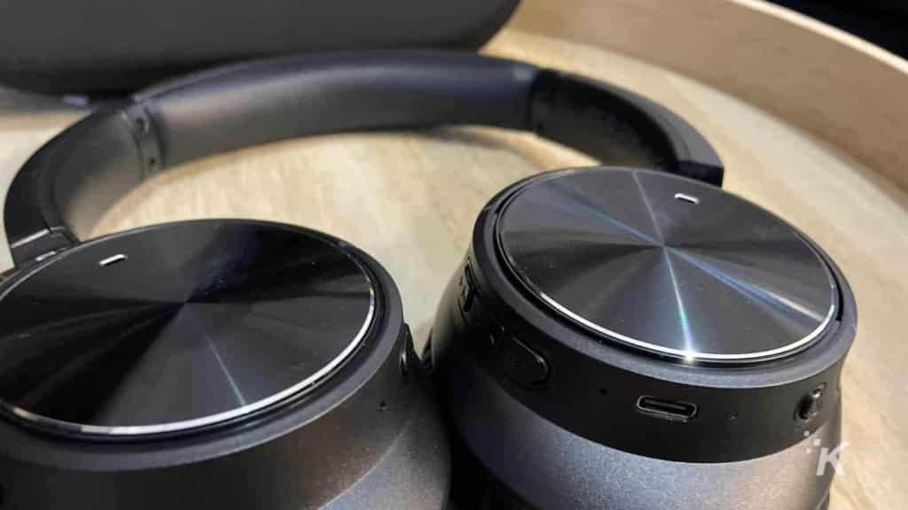 s&w headphones